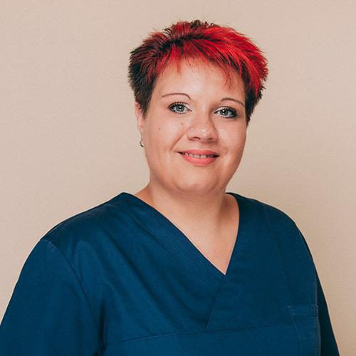 Zahnarzthelferin Carolin Arndt aus der Zahnarztpraxis Uta Rusch in Schönebeck (Elbe).
